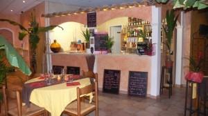 Restaurant en terrasse à Belgentier