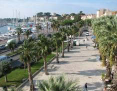Promenade le long du port de Bandol